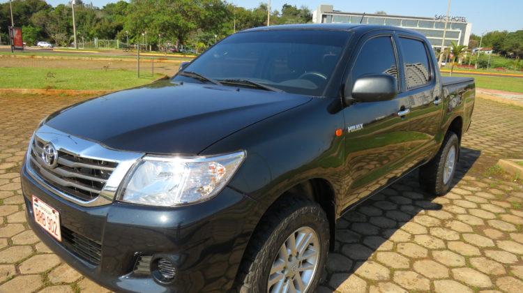 Toyota Hilux D/C 4×4 DX TD 2015